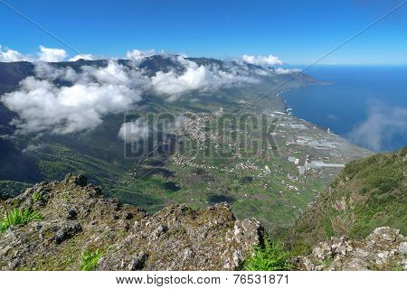El Hierro - View down into the El Golfo valley