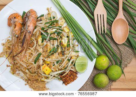(pad Thai) Thai Style Fried Noodles