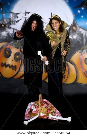 Halloween Couple Graffiti