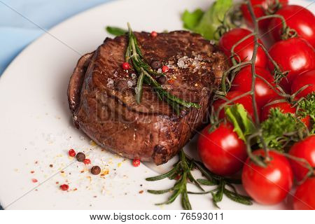 steak with rosemary pepper and coarse salt