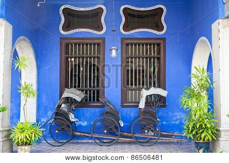 Old rickshaw tricycle near Fatt Tze Mansion, Penang