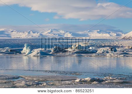 Icebergs floating in Jokulsarlon Glacier Lagoon