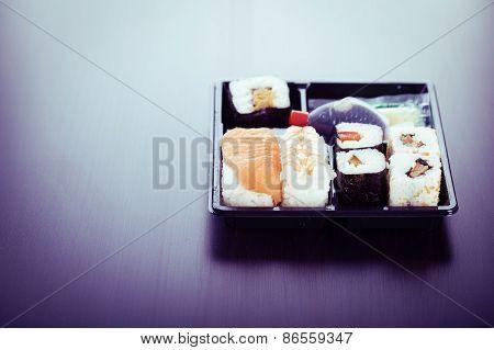 Simple Bento Sushi Box