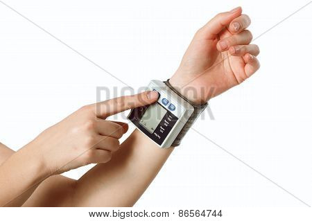hand with the tonometer