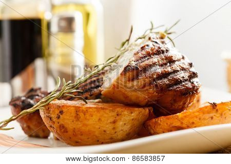 steak with potatoes