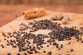 picture of pepper  - Black pepper - JPG