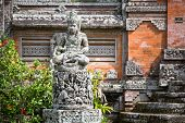 picture of demons  - Statues and carvings depicting demons - JPG