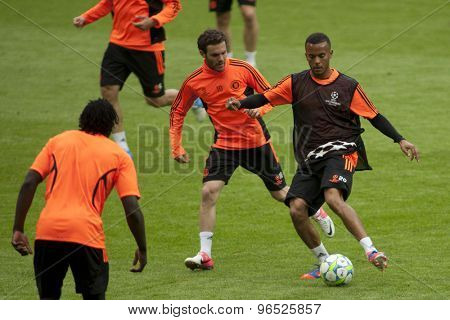 MUNICH, GERMANY May 18 2012 Chelsea's Spanish midfielder Juan Mata and Chelsea's English midfielder Josh McEachran during the official Chelsea training for the 2012 UEFA Champions League Final