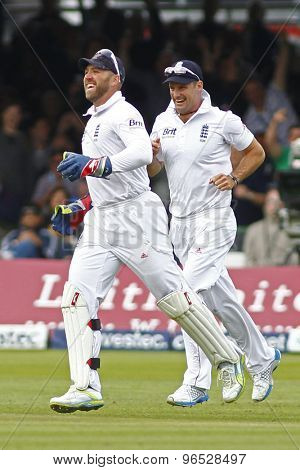 LONDON, ENGLAND. AUGUST 16 2012 England's Matt Prior and England's Andrew Strauss celebrate a wicket during the third Investec cricket  test match between England and South Africa