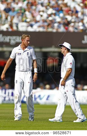 LONDON, ENGLAND. AUGUST 19 2012 England's Stuart Broad chats with England's Andrew Strauss during the third Investec cricket  test match between England and South Africa, at Lords Cricket Ground