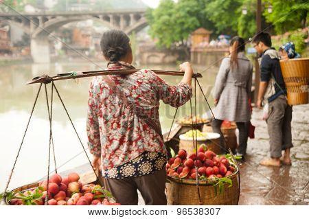 Vendor Sell Fruits.