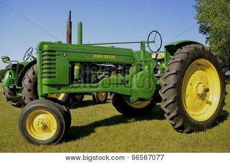 Old restored B John Deere tractor