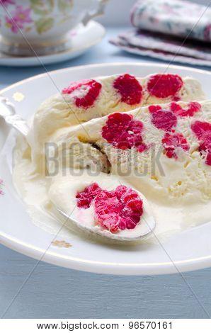 Raspberry ice-cream dessert semifreddo
