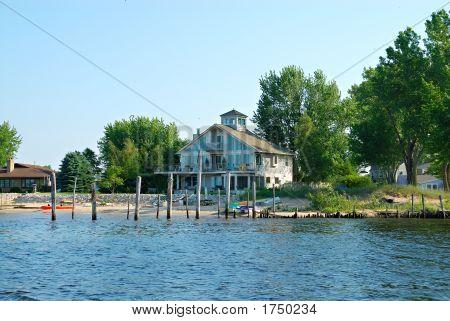 Muskegon Lake Beach Summer Home