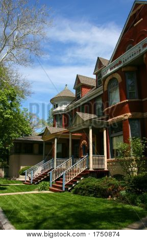 Red Brick Houses In Oak Park