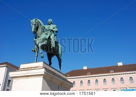 Statue Maximilian I