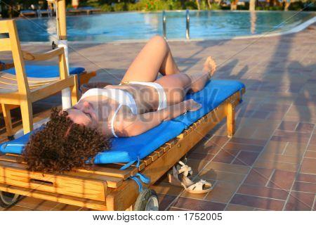 Frau Lounge pool