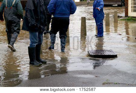 Abfluss-Flut