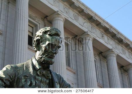 Statue of Lincoln in San Francisco Civic Center