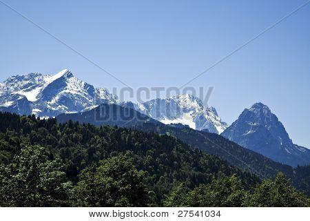 Wetterstein mountain range with Alpspitze, Zugspitze and Waxenstein