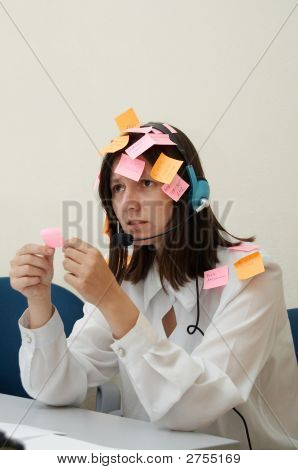 Mujer ocupada en la melancolía