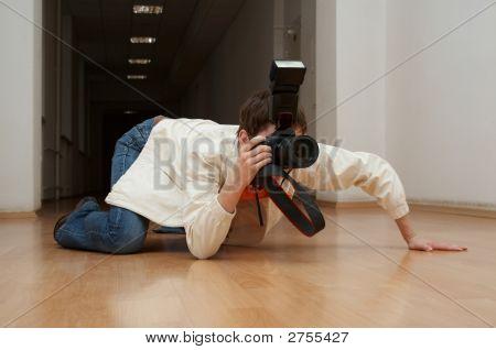 Spy Paparazzo Grabbling