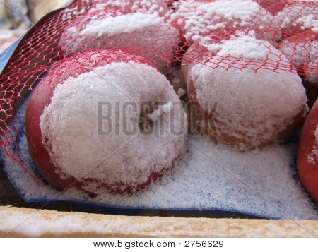 Snowy Starking Apples
