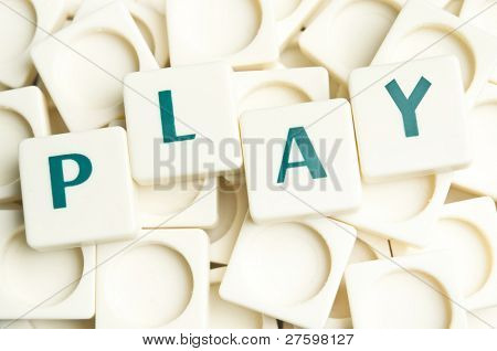 Play word made by leter pieces