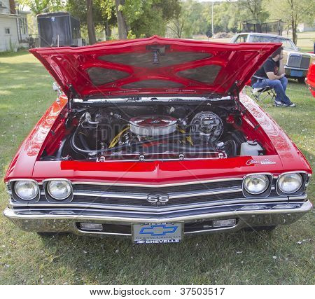Red Chevy Chevelle Ss Front View