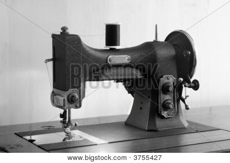 Mom\'S Sewing Machine