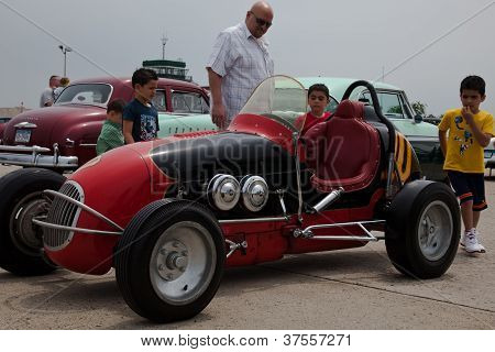 Vitucci Midget race car