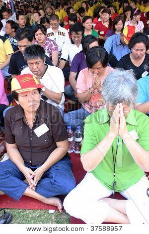 peoples pray