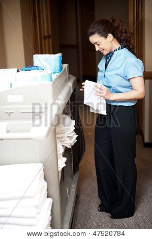 Housekeeping Executive Folding The Hand Towel