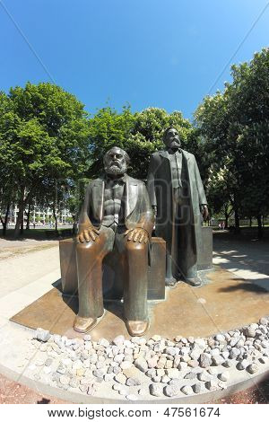 Karl Marx  And Friedrich Engels Statues