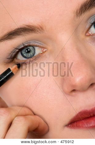 Applying Eye Liner - Makeup Series