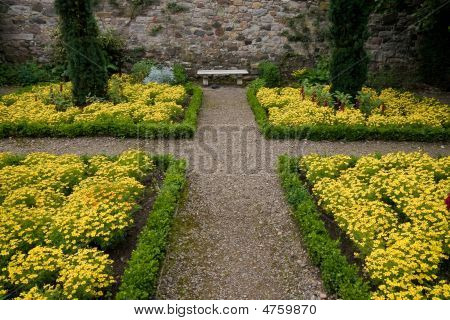 Victorian Courtyard Garden Edinburgh Stock Photo Stock