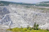 picture of slag  - Abestos mine - JPG