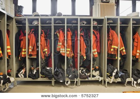 Fire fighter suits