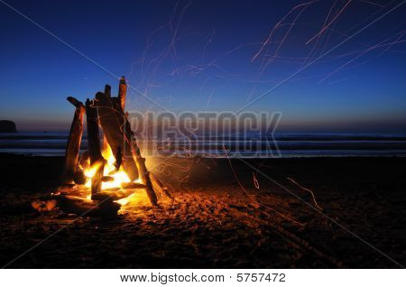 Lagerfeuer am Shi Shi Strand in olympic-Nationalpark