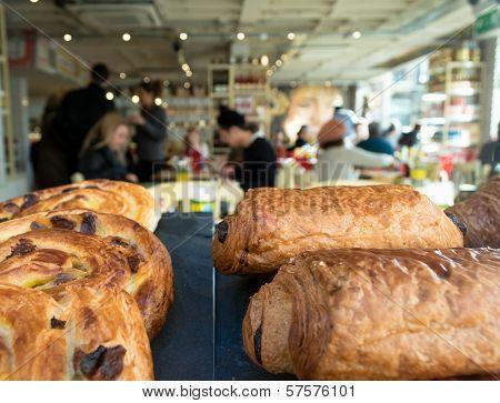 Croissants & Cafe