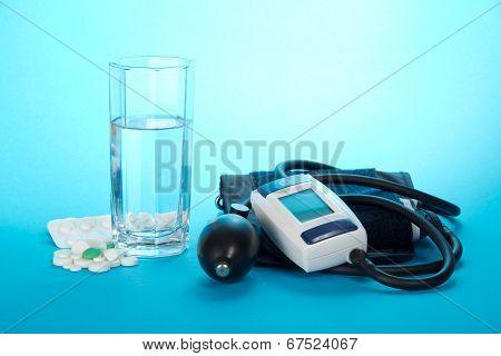 Device for measurement of arterial pressure