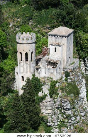 Castello Su Una Rocca