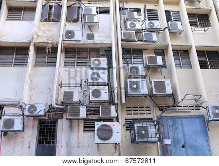 Global warming and Air Conditioning unit