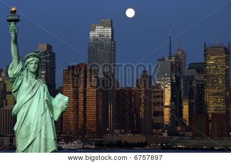 New York Cityscape Capture At Night Over Hudson