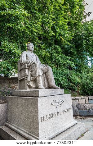 Monument To Franklin Roosevelt In Oslo.