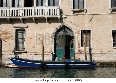Traditional Venice enty with Boat
