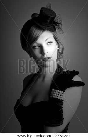 stunning portrait of a 1930s styled model