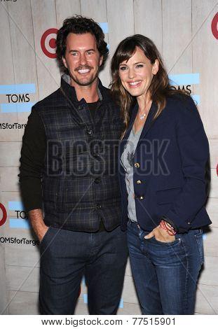 LOS ANGELES - NOV 12:  Blake Mycoskie & Jennifer Garner arrives to the TOMS for Target Partnership Celebration on November 12, 2014 in Culver City, CA