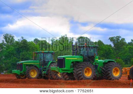 Scraper Tractor