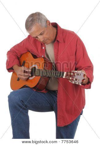 Media edad hombre afinar Guitarra